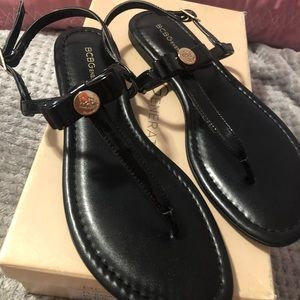 Black shiny sandals